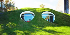 Hobbit-Hole Duplex Dug, Atlantic Beach, Florida, USA