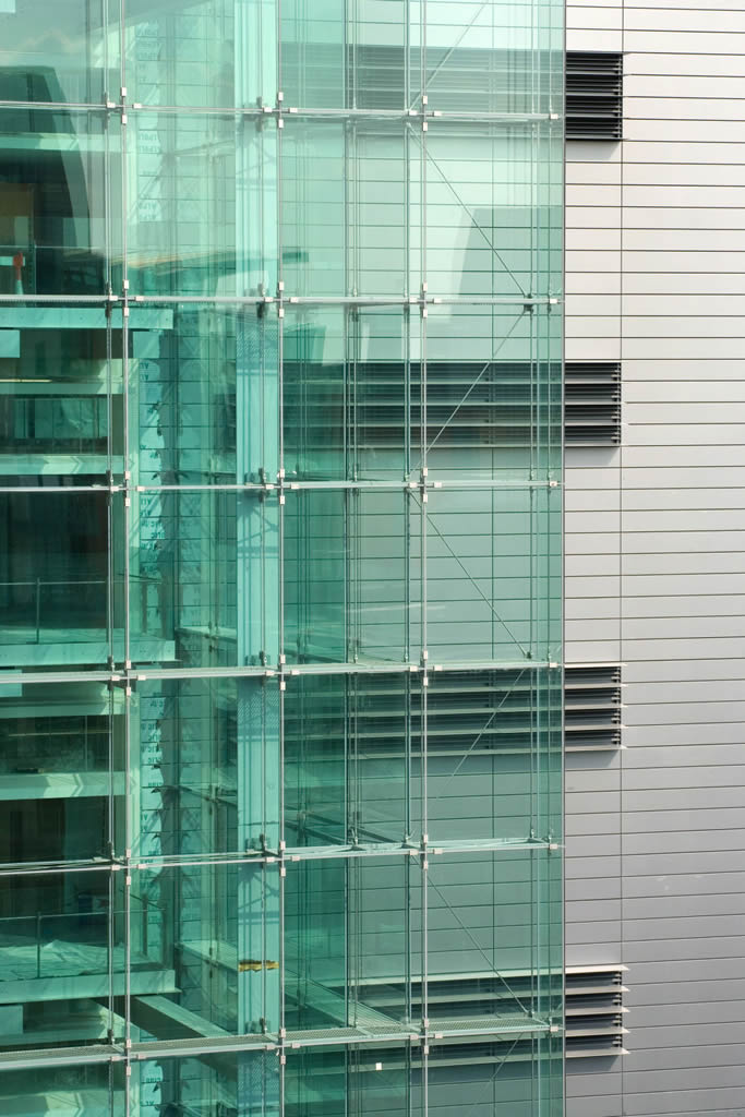 Humorous Structural Glass : Manchester civil justice centre great britain photo