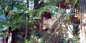 Hotel on the Trees, Takilma, Oregon, United States