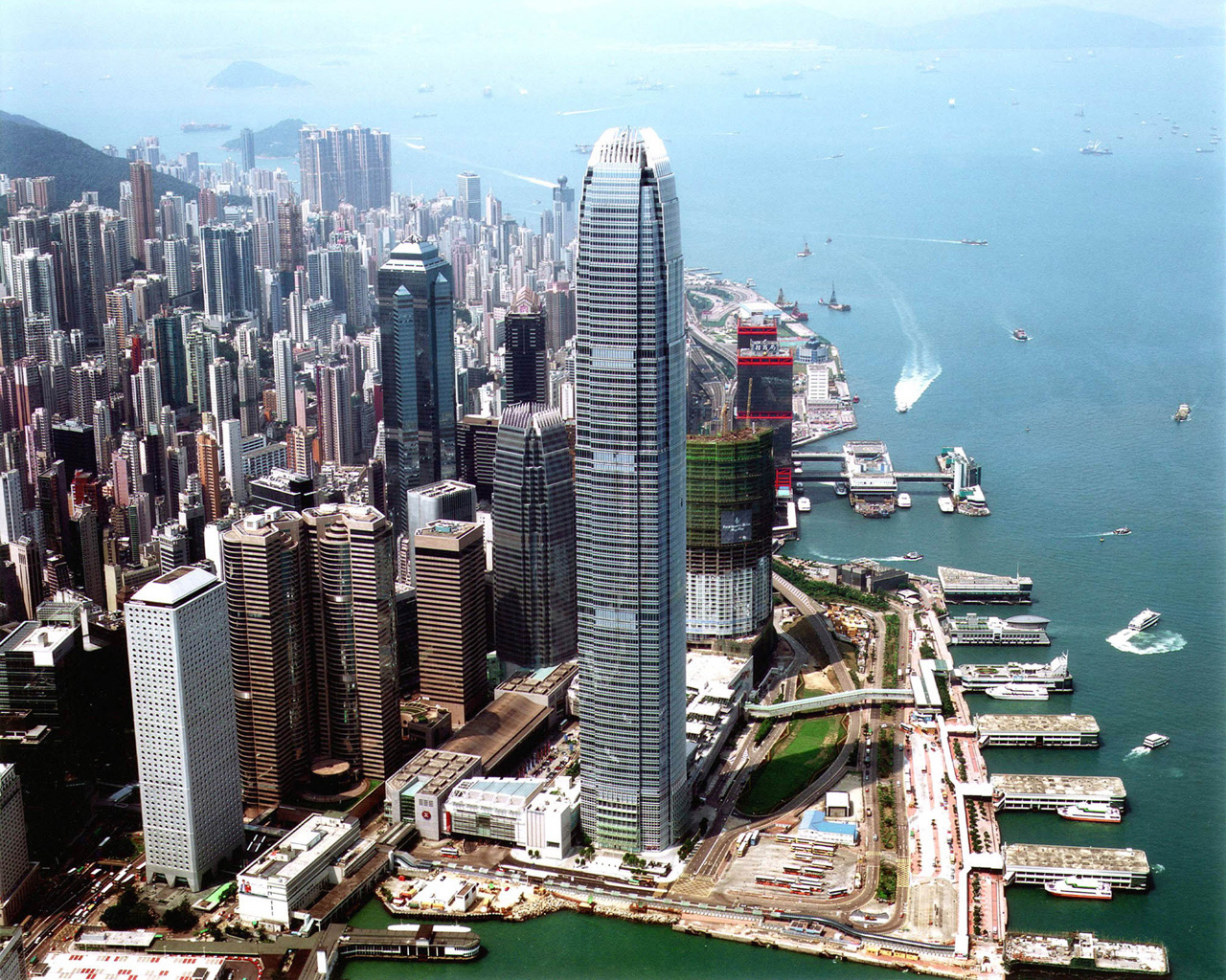 hong kong financial centre Navigating hong kong's complex laws and regulations is key to succeeding in asia's leading financial centre our proven team is ready to deliver powerful solutions.